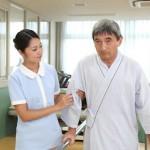 「介護福祉士実務者研修」で働きながら国家資格の介護福祉士取得を目指す