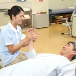 現場経験を積みながら「介護福祉士」資格を取得する必要性やメリットについて